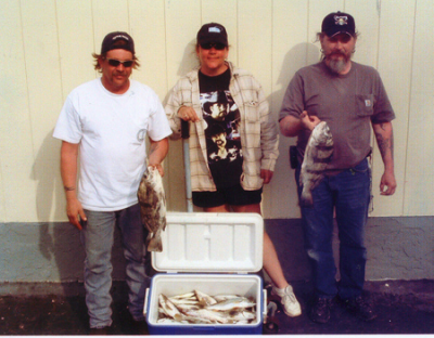 99-5_image_le_fishing4-26-2006c.png